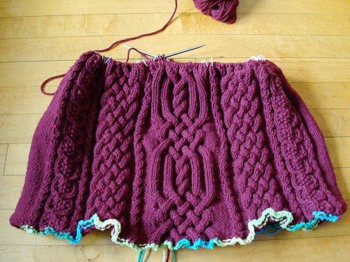 плед аранскими узорами схемы.  Шкатулка вязания, Бежевая сумочка.